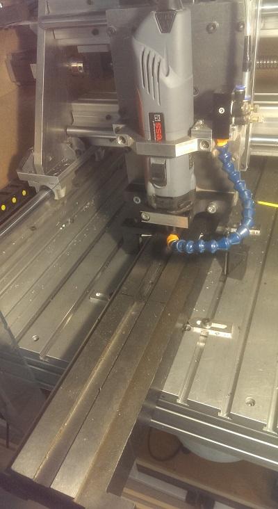 Fraisage à la CNC de la rainure pour la crémaillère