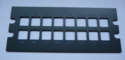 Face avant du panel, découpe et gravure à la CNC