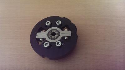La couronne de crantage de la base du throttle