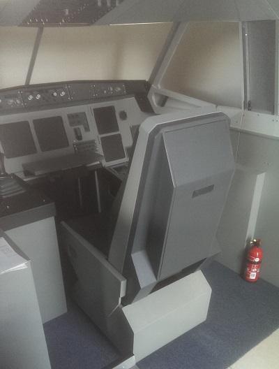 Le siège remanié, en place dans le cockpit