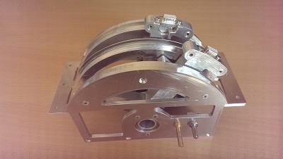 Equipage mobile en place dans le chassis du throttle