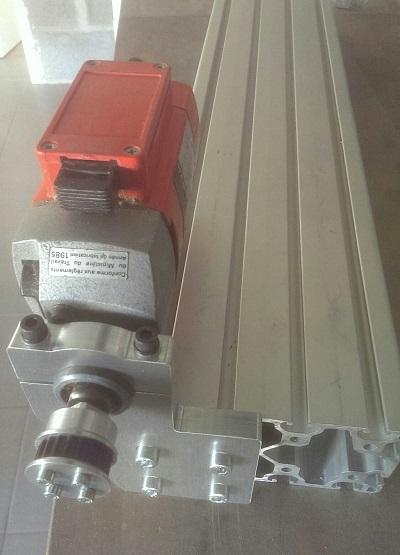 Montage du moteur de la base du tour